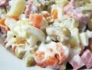 Классический салат «Оливье»