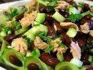 Постный салат с тунцом и фасолью