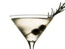 Рецепт коктейля Rosemary Martini к 8 марта