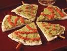 Новогодний рецепт: елочки с гуакамоле