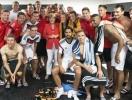 В честь победы немецкий футболист сделал селфи с Меркель