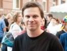 Ведущий шоу Мир наизнанку Дмитрий Комаров сменил имидж