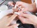 Наращивание ногтей: за и против
