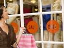 Что купить на распродажах: топ-6 мастхэвов весны