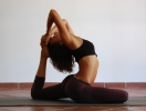Какие упражнения из йоги уберут живот
