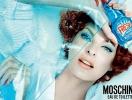 Линда Евангелиста для Moschino: парфюм в виде стеклоочистителя