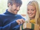 Что подарить девушке на 8 Марта: идеи подарков для любимой половинки