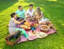 Отдых компанией на природе: как весело провести пикник с друзьями