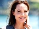 Большое сердце Анджелины Джоли: актриса купила огромного медведя, чтобы помочь детям