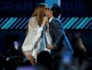 Дженнифер Лопес и Марк Энтони поцеловались на сцене через 8 лет после развода
