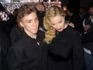 16-летнего сына Мадонны арестовали за употребление наркотиков