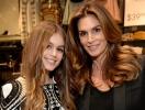 """Синди Кроуфорд и Кайя Гербер снялись для """"семейного"""" номера Vogue (ФОТО)"""