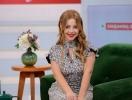 Тина Кароль удивила фотосессией с петухом: новогодний символ в руках певицы (ФОТО)