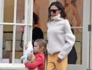 Виктория Бекхэм сделала из имени своей дочери Харпер бренд одежды и косметики