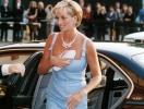 """Тайна """"спайной сумки"""": стало известно, почему принцесса Диана всегда прикрывала декольте клатчем (ФОТО)"""