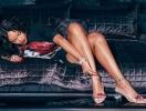 Каблуки и кристаллы: Рианна похвасталась яркой новой коллекцией обуви Rihanna x Manolo (ФОТО)