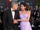 Ослепительно прекрасны: Джордж и Амаль Клуни впервые после рождения близнецов вышли в свет, покорив Венецианский кинофестиваль (ФОТО)