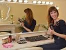 """Как начинающему визажисту """"набить руку"""", найти клиентов и """"выйти на звезд"""": бизнес-история Ирины Петровой"""
