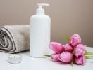 Двухфазные средства для снятия макияжа: кому подходят и правила использования