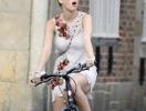 Кэти Перри сменила имидж и пересела на велосипед. ФОТО