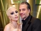 Леди Гага обручилась со своим агентом