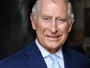Почему принц Чарльз годами хранит остатки ткани от своих костюмов?