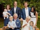 Кенсингтонский дворец опубликовал сразу три портрета членов королевской семьи в честь Рождества