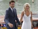 Инсайдер: Леди Гага живет вместе с Брэдли Купером