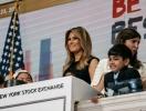 Шик и стиль от первой леди: Мелания Трамп в обтягивающем платье на фондовой бирже в Нью-Йорке (ФОТО+ВИДЕО)