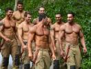 """Новая порция """"горячего"""" умиления: вышел календарь с австралийскими пожарными в поддержку животных"""