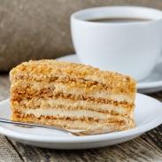 Самый вкусный торт медовик: рецепт, который приготовить несложно