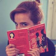 Актриса Эмма Уотсон спрятала десятки книг в лондонском метро в рамках акции