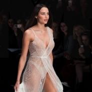 Анастасия Решетова показала красоту своего тела в полностью прозрачном платье от украинского дизайнера (ВИДЕО)