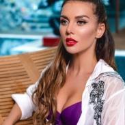 Анна Седокова откровенно рассказала, как пережила развод: певицу спасли дети