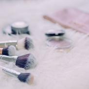 Выбросить нельзя оставить: срок годности вашей косметички