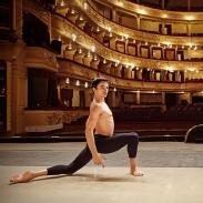 Александр Стоянов: о благотворительности, отношениях с Екатериной Кухар и балете