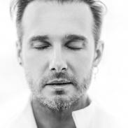 Основатель группы MARU Денис Дудко: о новом концерте, вдохновении и качествах настоящего артиста (ЭКСКЛЮЗИВ)