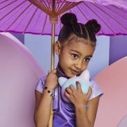 5-летняя Норт Уэст во взрослом образе стала звездой воскресной мессы (ФОТО+ВИДЕО)