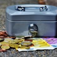 Лунный денежный календарь на сентябрь 2019: когда можно брать и давать в долг, считать и тратить деньги