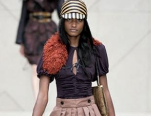 Показ Burberry Prorsum на Лондонской неделе моды. ФОТО
