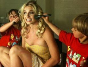 Бритни Спирс показала фото и видео своих малышей