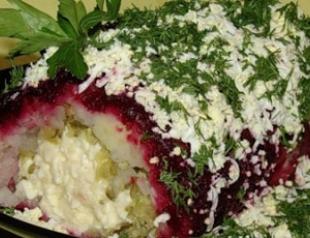 Оригинальный салат с колбасным сыром