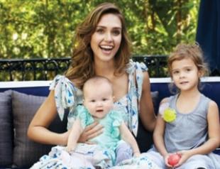 Джессика Альба показала своих детей
