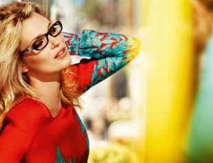 Кейт Мосс стала лицом кампании Vogue Eyewear