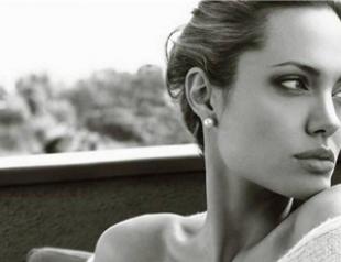 Свадебное платье Анджелины Джоли будет от Versace