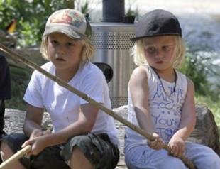 Гвен Стефани повела детей на рыбалку. Фото