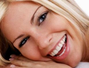 Топ 9 продуктов для белоснежной улыбки