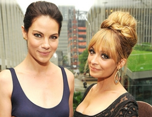 """В Нью-Йорке раздали парфюмерные """"Оскары"""" Fifi Awards 2012"""