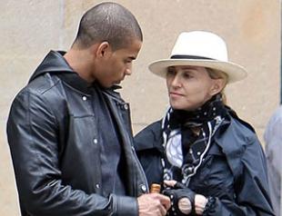 Мадонна и Заибат прогулялись по Манхэттену. Фото