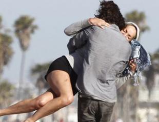 Шэрон Стоун застукали с молодым любовником. Фото